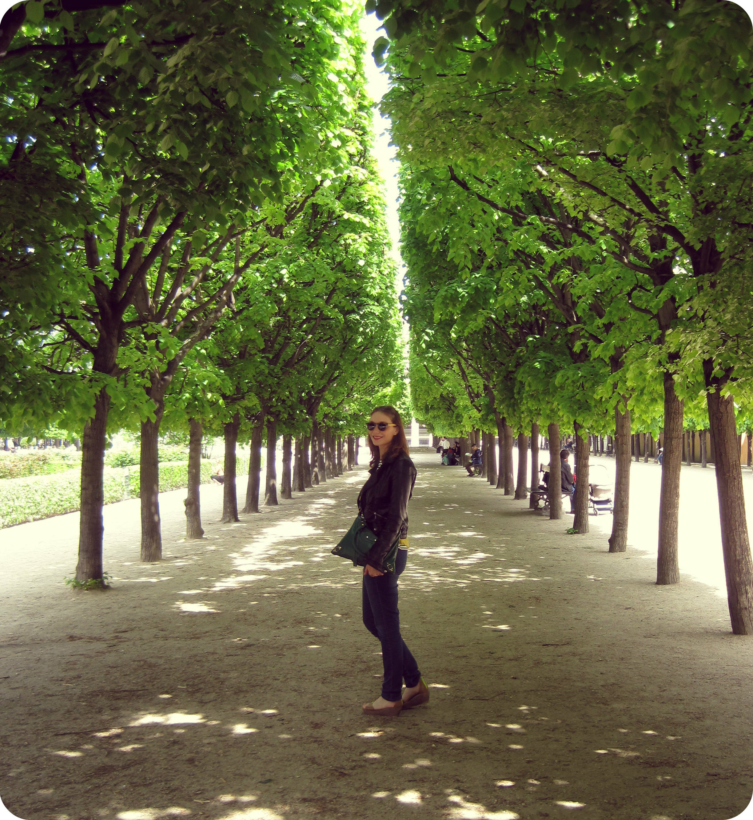 Les jardins de paris palais royal a beautiful journey for Jardin royal