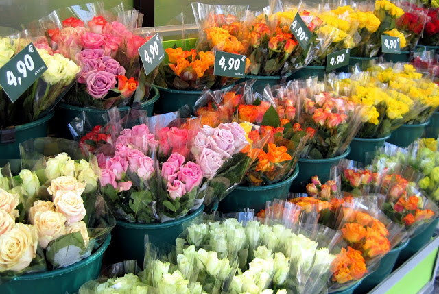 Little Luxuries: Fresh Flowers in France